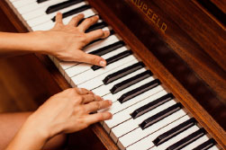 5 Reasons You Need To Hire Professionals To Move Your Piano